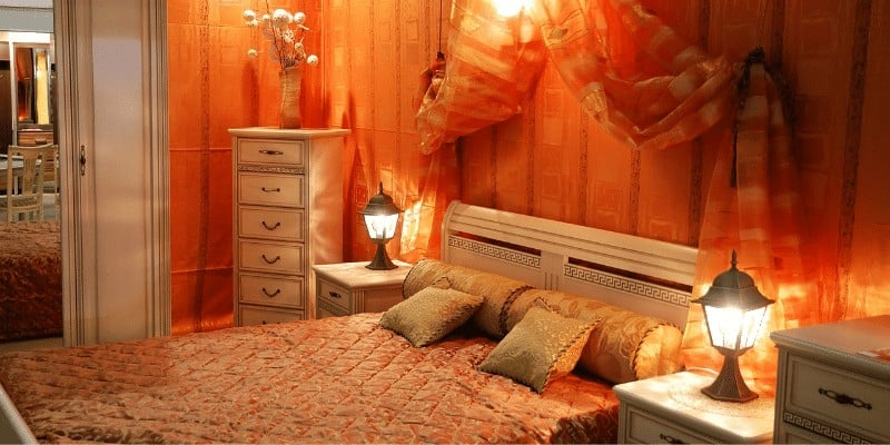 15 Ways to Decorate A Small Bedroom On A Budget